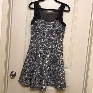 Betsey Johnson black and white dress size 8